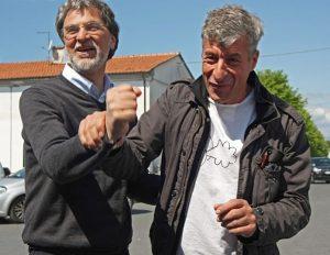 Luciano-Massari-e-Maurizio-Cattelan-300x232 Maurizio Cattelan Artista